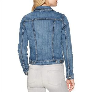Levi's Jackets & Coats - Women's Levi's Denim Jacket Size L